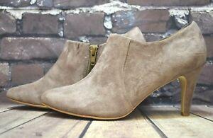 Womens Pier One Beige Suede Zip Up Mid Heel Shoes UK 4 EUR 37 RRP - £59