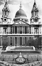 B38120 St paul`s Chatedral London  uk