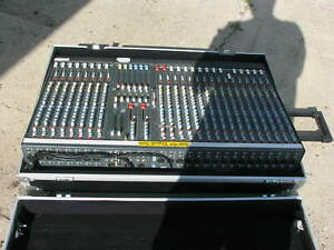 ALLEN & HEATH GL-2200 Professional Audio Mixer with case
