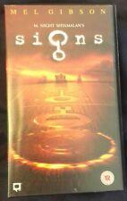 UK VHS video film 'Signs' - Mel Gibson / Joaquin Phoenix - Sci-Fi / drama movie