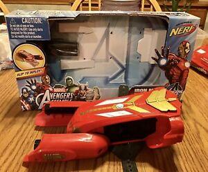 NERF Marvel Avengers Iron Man Flip & Fire Gauntlet blaster   Hasbro 2013