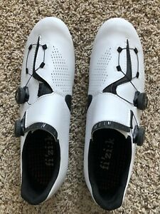 Fizik Infinito R1 Carbon Road Cycling Shoes - White/Black Size 45 EU 11-1/2 US