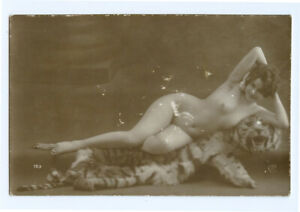 1910s French Risque Nude SHAPELY BEAUTY photo postcard