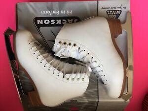 jackson competitor ICE SKATES Size 8D