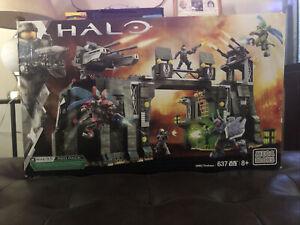 UNSC Firebase - Halo Mega Bloks - Sealed In Box(Slightly Damaged)
