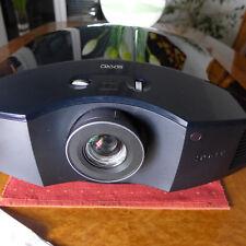 Sony VPL-HW65-ES ,Topp-Beamer, matt schwarz, 1. Lampe ca. 520h  !!!