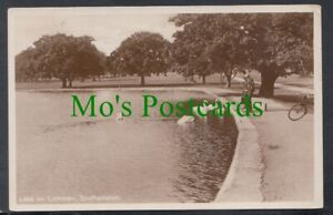 Hampshire Postcard - Lake on Common, Southampton   RS24853
