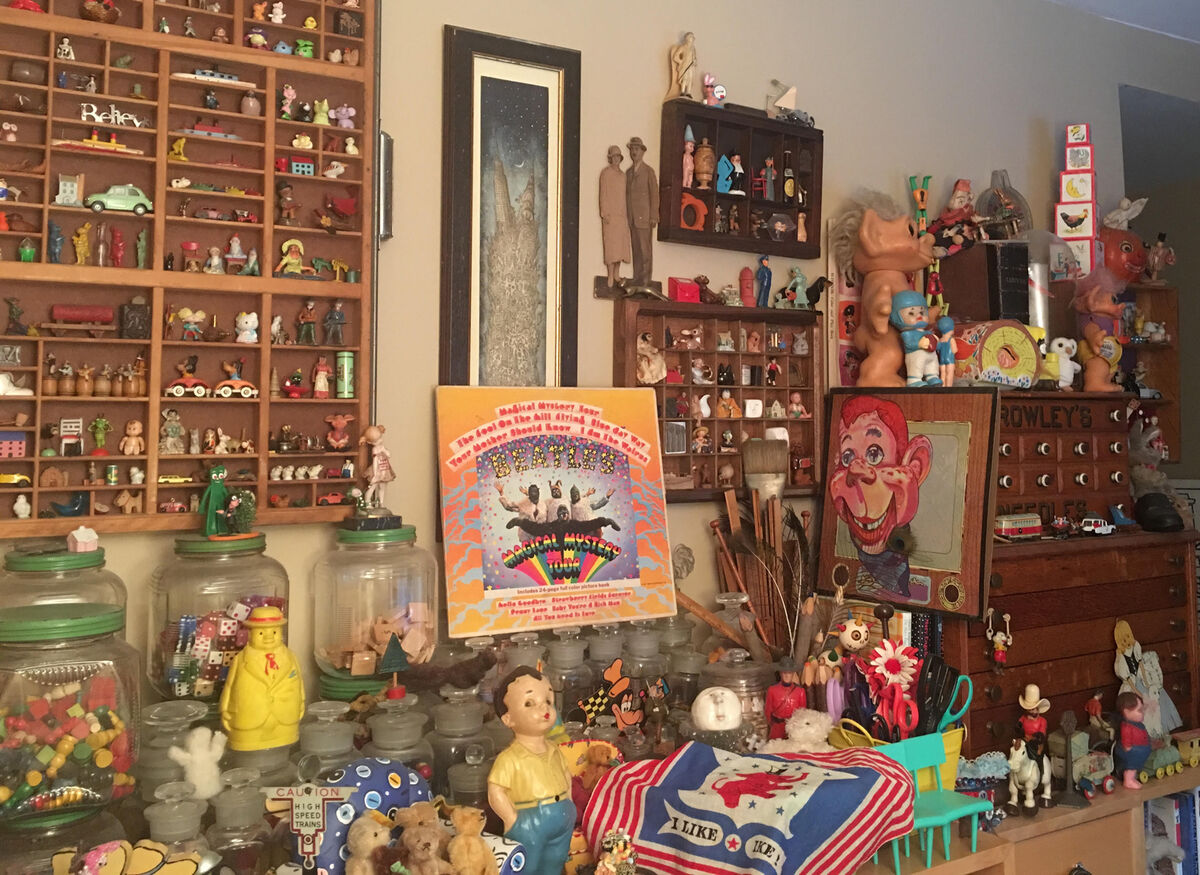ECLECTICAL COLLECTIBLES