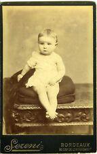 PHOTO CABINET circa 1890 SERENI Bordeaux un bébé pose sur un coussin