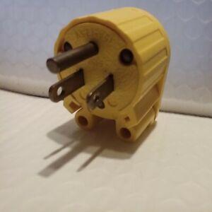 GE  GENERAL ELECTRIC  15 AMP 125V  ADJUSTABLE ANGLE  PLUG NEMA 5-15P  USA NEW