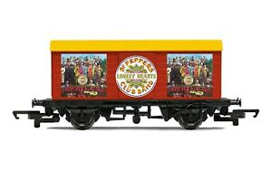 Hornby R60008 The Beatles SGT. Pepper's Lonely Hearts Club Band' Wagon OO Scale