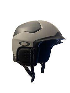 Oakley Mod 5 Ski and Snowboarding Helmet - Size L - GENTLY WORN