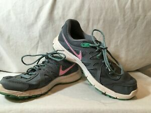 VGUC NIKE GRAY & PINK WOMEN'S SIZE 10 LACE UP ATHLETIC/TENNIS SHOES 554900-409