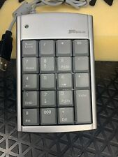 TARGUS Numeric Keypad w/ 2 USB Port Hub Model PAUK10U Silver Triple Zero Key