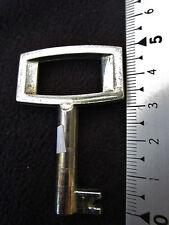 ancienne clé de meuble ou de secrétaire -1960 -1970-