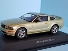 AutoArt SLOT Car 1:24 Ford MUSTANG GT 2005 Lime Green Lighting Lamps NEW 14001