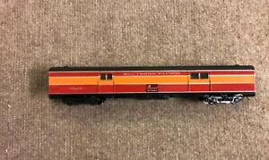 HO Athearn SOUTHERN PACIFIC DAYLIGHT Streamlined 72' Baggage Car