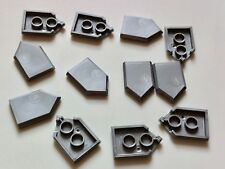12 lego NEXO KNIGHTS PARTS - 12 pearl grey SHIELDS FROM 30371 RARE