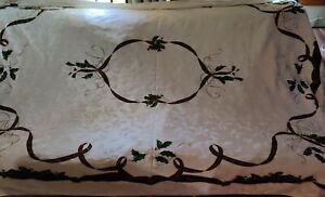 Lenox Holiday Nouveau Ribbon Tablecloth And (8) Napkins