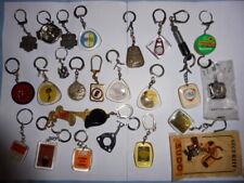 lot 26 porte clés divers  , automobile station service garage accessoire essence