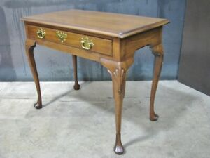 Mint Kittinger Queen Anne Style Mahogany Writing or Dressing Table (CW 145)