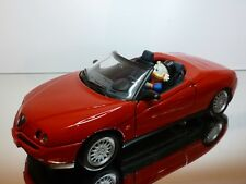 MAISTO ALFA ROMEO SPIDER V6 + UNCLE SCROOGE - RED 1:18 - GOOD CONDITION