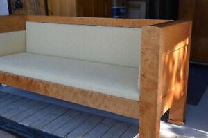 Schönes Sofa in Birke
