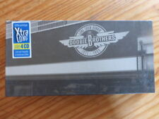 "COFFRET DOOBIE BROTHERS ""LONG TRAIN RUNNIN "" 4 CD+ LIVR 82 PAGES  TRES BON ETAT"
