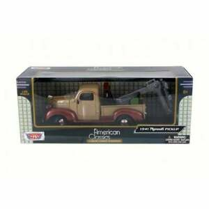 American Classics - 1941 Plymouth Pickup Wrecker - Brown  1:24