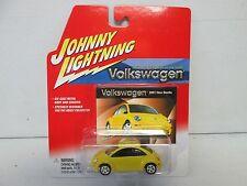 Johnny Lightning Volkswagen 2001 New Beetle Yellow