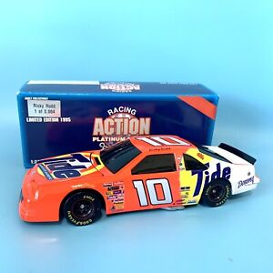 Vintage Action Platinum Series 1:24 Ricky Rudd Tide Diecast Stock Car Bank