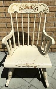 Vintage Nichols and Stone Child's Kids Rocker Rocking Chair Gardner Mass USA