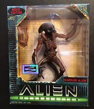 ALIEN RESURRECTION Warrior Alien Action Figure Movie Edition Hasbro 1997-NEW