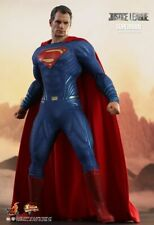 Hot Toys MMS 465 Justice League Superman 1/6 Sixth Scale Collectible Figure