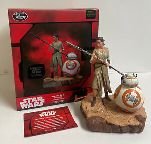 Disney Store Star Wars The Force Awakens Rey BB-8 Limited Edition Figure Statue