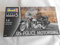 Revell 07915 US Police Motorbike n 1:8 Neu und OVP  siehe Fotos