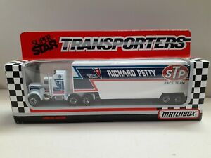 MATCHBOX  CONVOY KENWORTH  SUPER STAR TRANSPORTER. RICHARD PETTY. STP