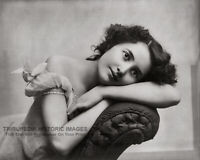 1902 Glamour Photo * Beautiful Young Woman Modeling on Sofa * Pretty Girls Model