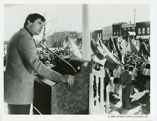 ROBERT URICH ADDRESSES CROWD PORTRAIT AMERIKA ORIGINAL 1987 ABC TV PHOTO