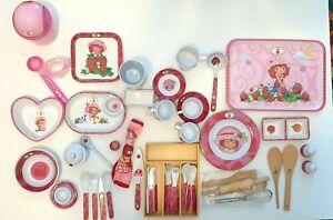 Emily Erdbeer Geschirr Küchenzubehör über 65 Teile STRAWBERRY SHORTCAKE spielen