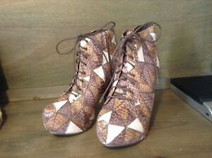 Bucco Capensis Womens PATCHWORK Boots Shoes SIZE 5.5,7, 7.5, 8, 9, 10 NWOB