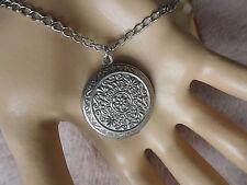 Kette Edelstahl Silber Medaillon Ornamente für zwei Fotos- Bilder zum öffnen