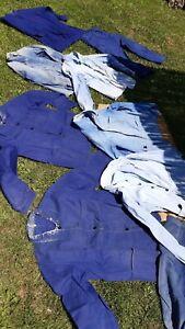 Gros lot de vestes pantalons  bleu de travail  taille 46 48 vintage Moleskine ?