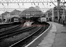 PHOTO  MANCHESTER PICADILLY RAILWAY STATION 1990'S
