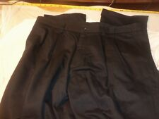 dockers 40 x 33  pleated no cuffs classic fit #450