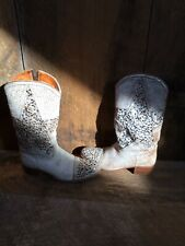FRYE WOMEN'S DEBORAH RUSTIC STUDS STAR PERFORATED BOOTS WESTERN 9
