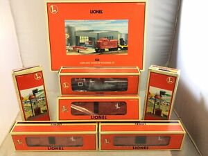 Mixed Lot of Lionel O Scale Box Cars Airplane Hangar Signals Boxed