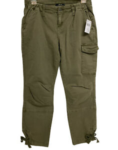 NWT- LED Lux Essential Denim Olive Green Navy Maternity cargo pants Small