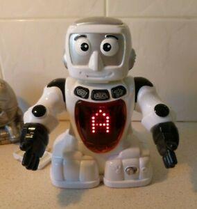 REDBOX INTERACTIVE WHITE ROBOT - ABC'S , COUNTS, MUSIC - VINTAGE?