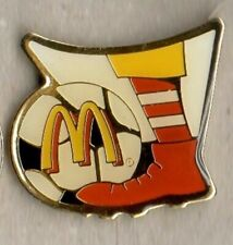 BADGE 1 McDONALDS WORLD CUP FRANCE 1998 VINTAGE ENAMEL PIN IN MINT CONDITION
